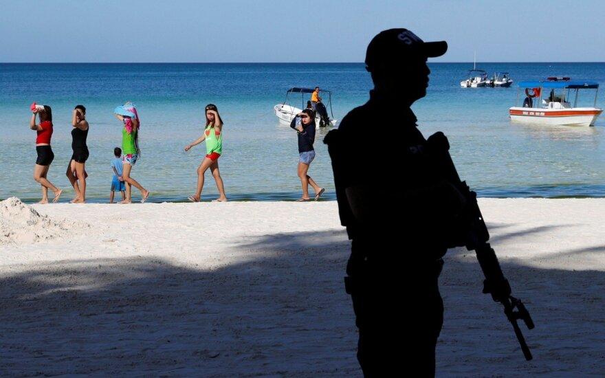 Filipinuose kariai per klaidą nukovė šešis policininkus