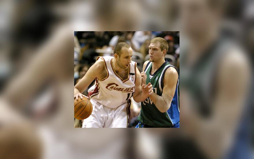 "Žydrūnas Ilgauskas (""Cavaliers"") prieš Dirką Nowitzkį (""Mavericks"")"