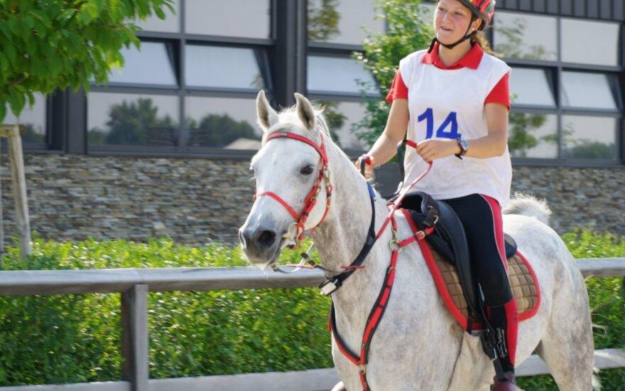 Ugnė Mateikaitė ir žirgas Sahim R