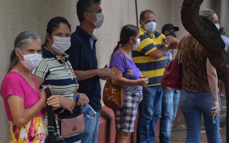 Nerimo signalai Brazilijoje: sunkia COVID-19 forma sirgo daugiau jaunų pacientų