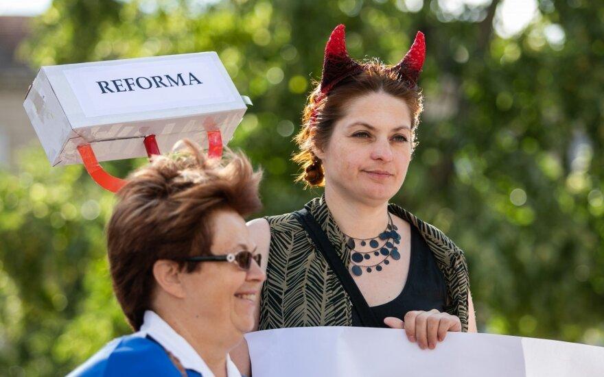 Prie Seimo – protestas prieš reformas: jos pražūtingos nuo emigracijos kenčiančiai šaliai