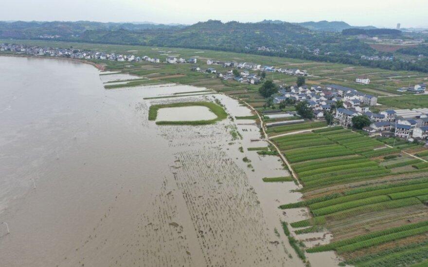 Stichiniai potvyniai siaubia Kiniją
