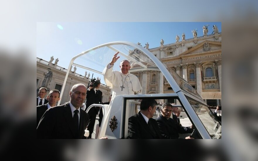 Vatikane bus teisiami pedofiliją dangstantys dvasininkai