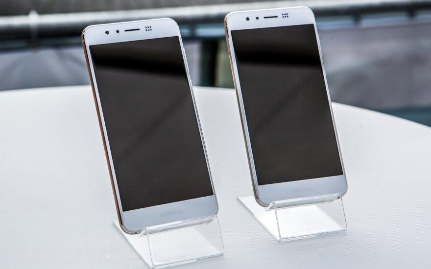 """Lietuvoje pristatyti """"Honor"""" išmanieji telefonai"""