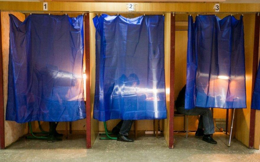 Ukrainos rinkėjų nuotaikos – dvejopos