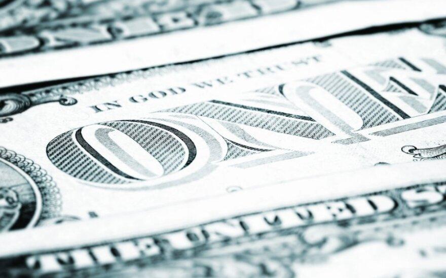 JAV akcijų rinka kyla, doleris silpnėja