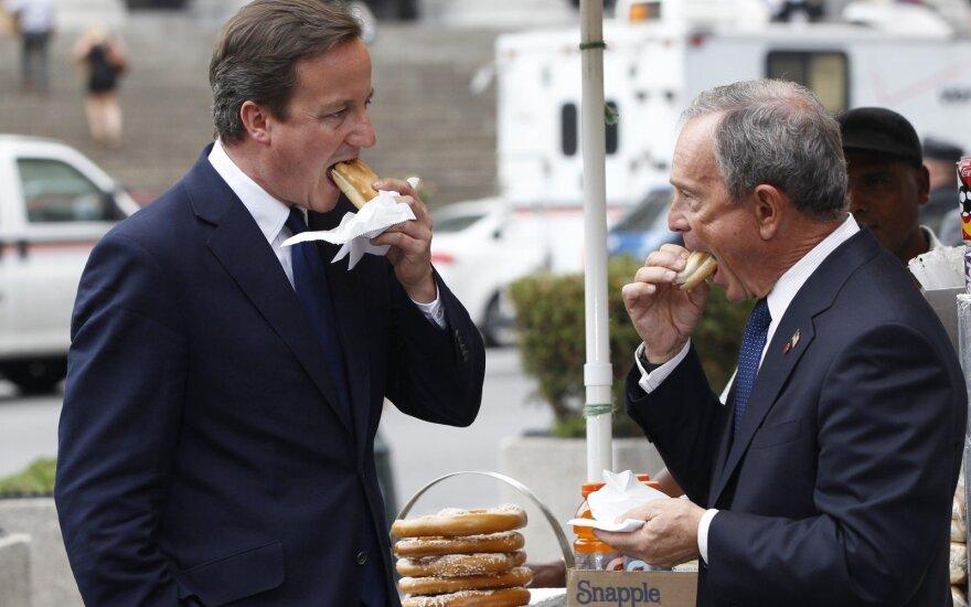 Davidas Cameronas ir Michaelis Bloombergas