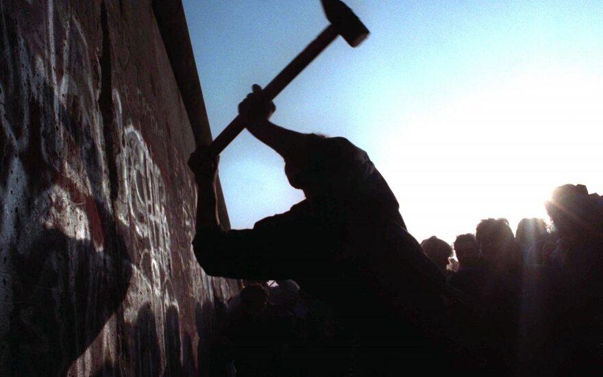 Menininkų grupė ruošiasi atstatyti Berlyno sieną Vokietijos sostinėje