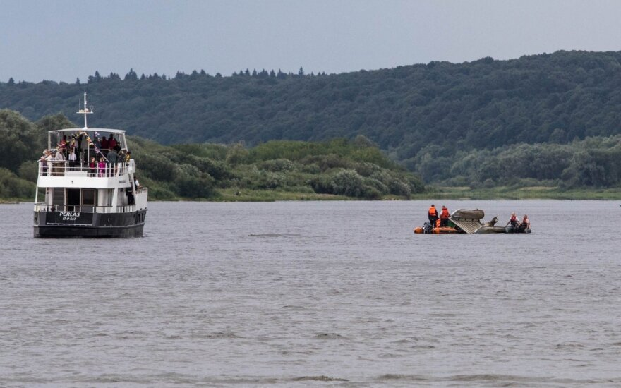 Barge with drunk captain sinks in Kaunas, killing 1