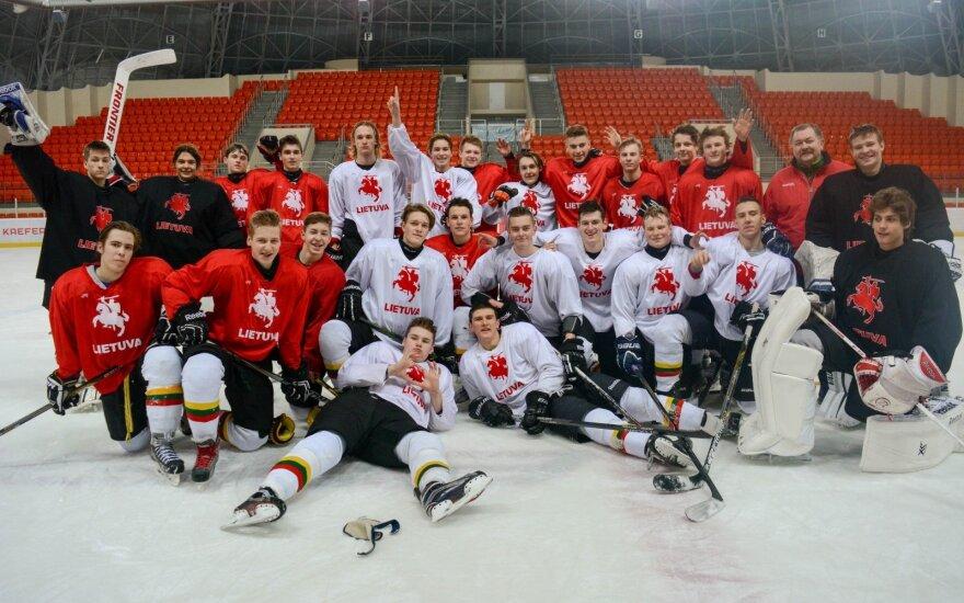 Lietuvos jaunių ledo ritulio rinktinė išvyko į pasaulio čempionatą