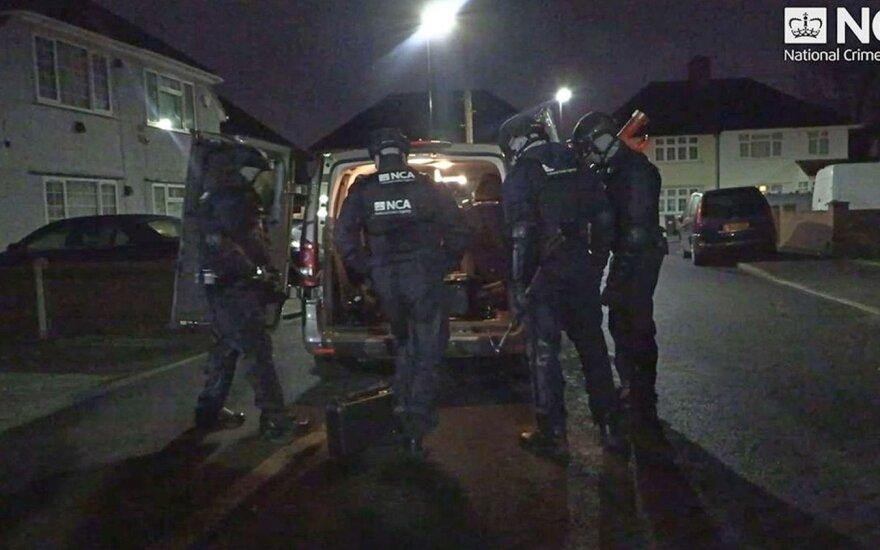 JK pareigūnai sulaikė milijonus <em>išplovusią</em> gaują