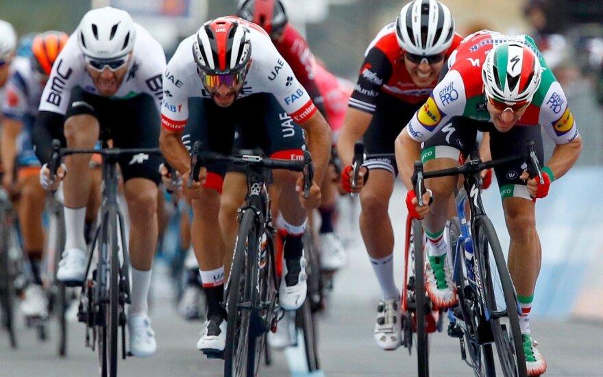 Giro d'Italia trečio etapo finišas