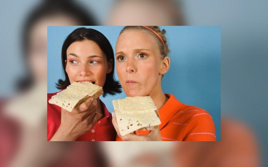 Merginos valgo sumuštinį