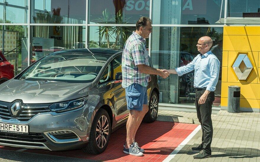 Arvydas Sabonis sėdo prie Renault Espace vairo