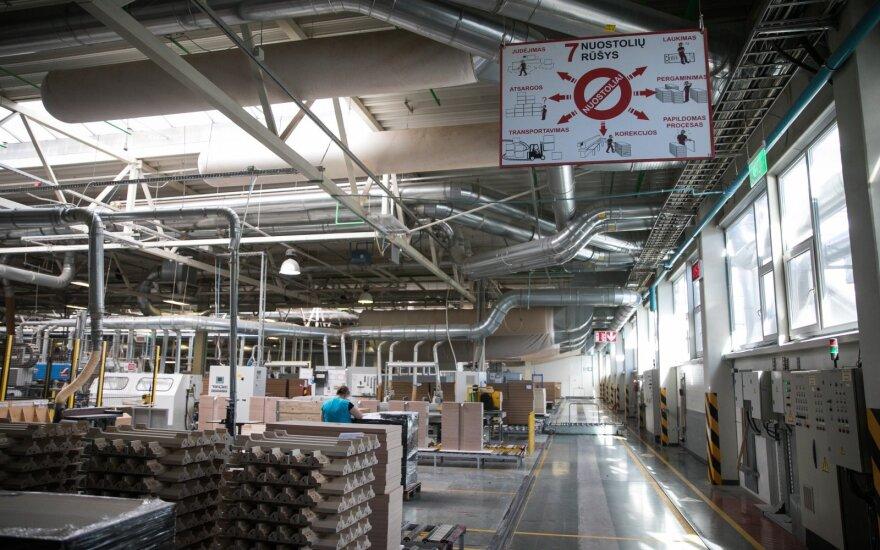 SBA pristabdo gamybą keliose baldų įmonėse