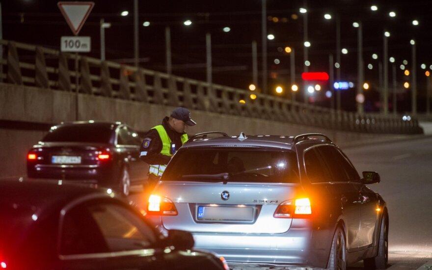 Ką policijai pasakoja neblaivūs vairuotojai: bando apsimesti keleiviais ar net aiškina, kad parduoda mašiną