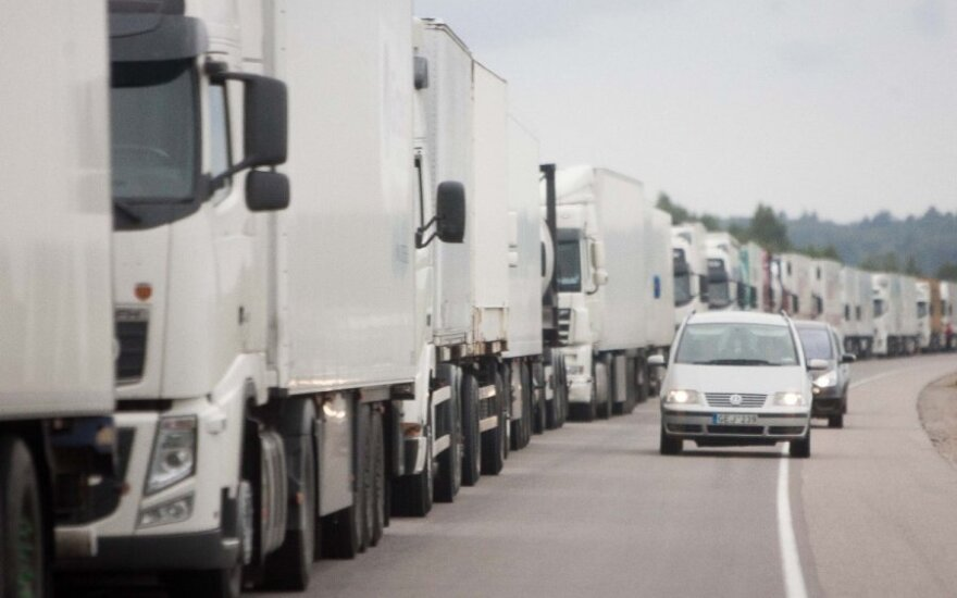 Lithuanian trucks avoid going to Russia