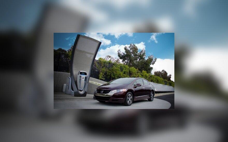 Estų degalinių tinklas diegs elektromobilių krovimo stoteles