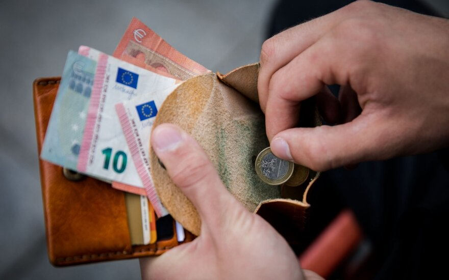Minimum wage to be raised by more than EUR 10 in January - PM