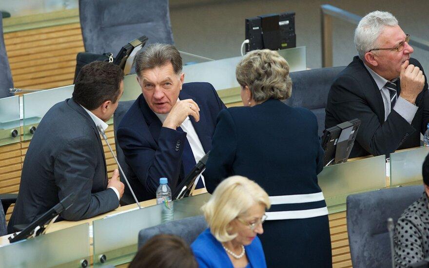 Pasklidęs socialdemokratų programos juodraštis sukėlė šoką