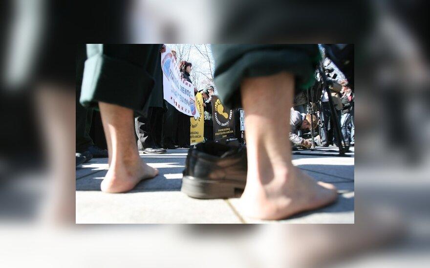 Pareigūnai atideda protesto akciją