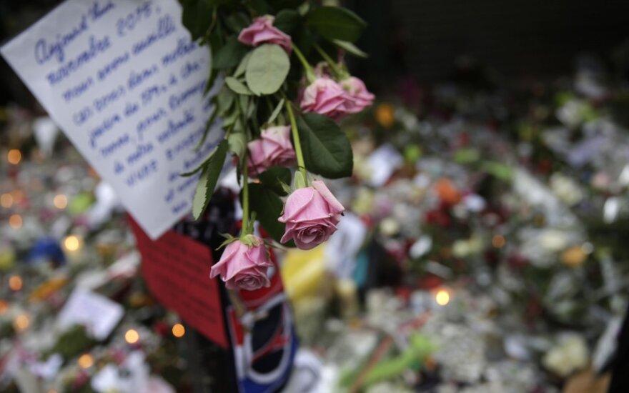 Atjauta Prancūzijai: mada ar žmogiškumas?