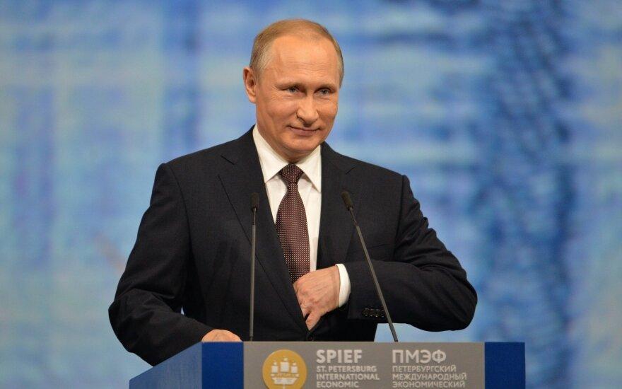 V. Putinas pareiškė pykčio nelaikąs ir norįs geresnių santykių su Europa