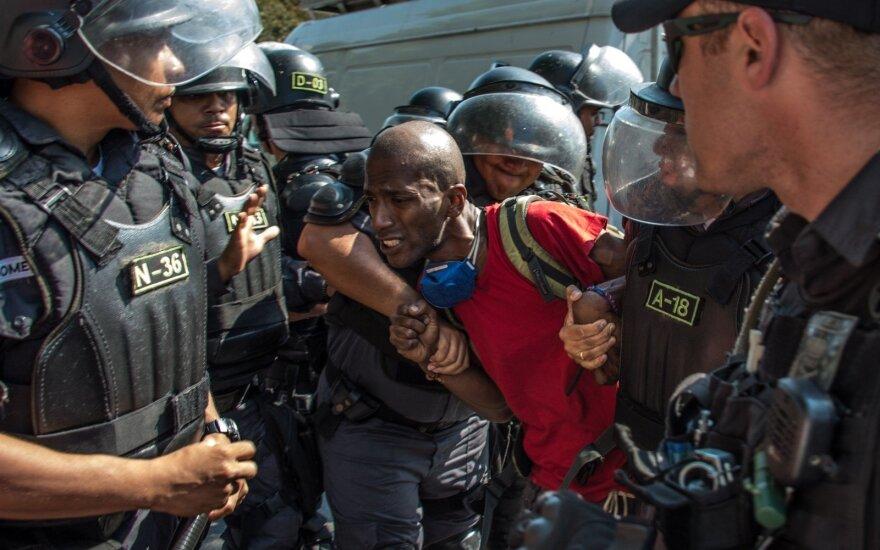 Brazilijos policija ramina riaušių dalyvius