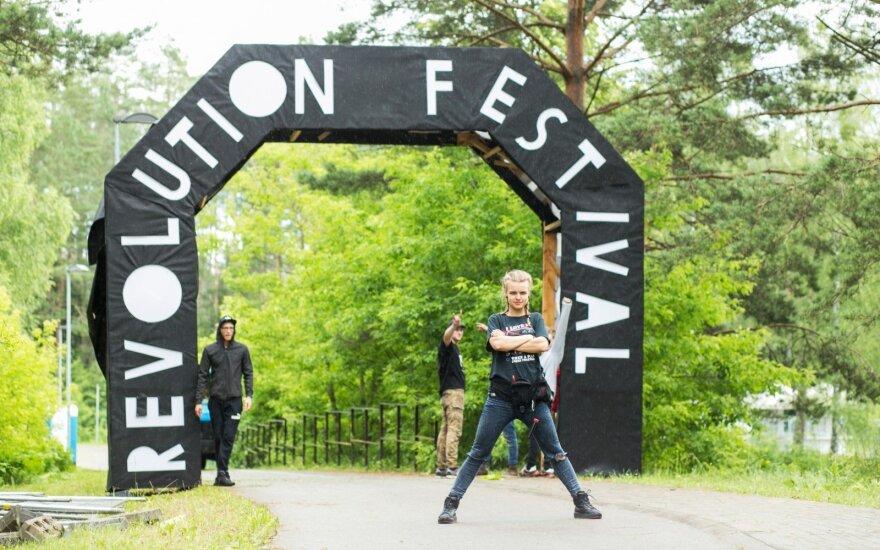 """""""Revolution festival"""" akimirka"""