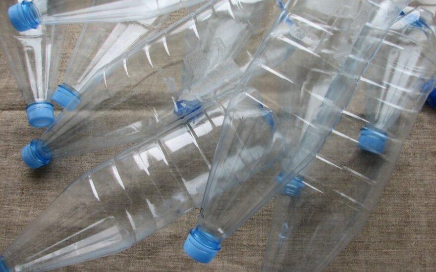 Plastikiniai buteliai - pagrindinė medžiaga