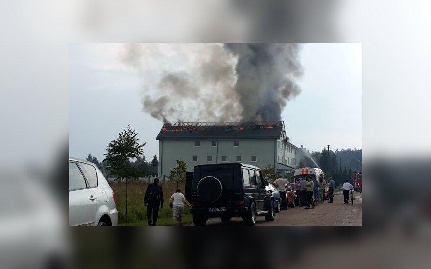 Žaibas smogė į kavinę, kurioje linksminosi apie 100 vestuvininkų