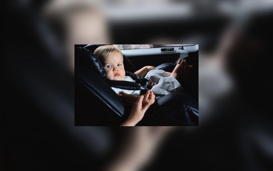 Automobiliuose saugiai vežami vos 4 iš 10 vaikų