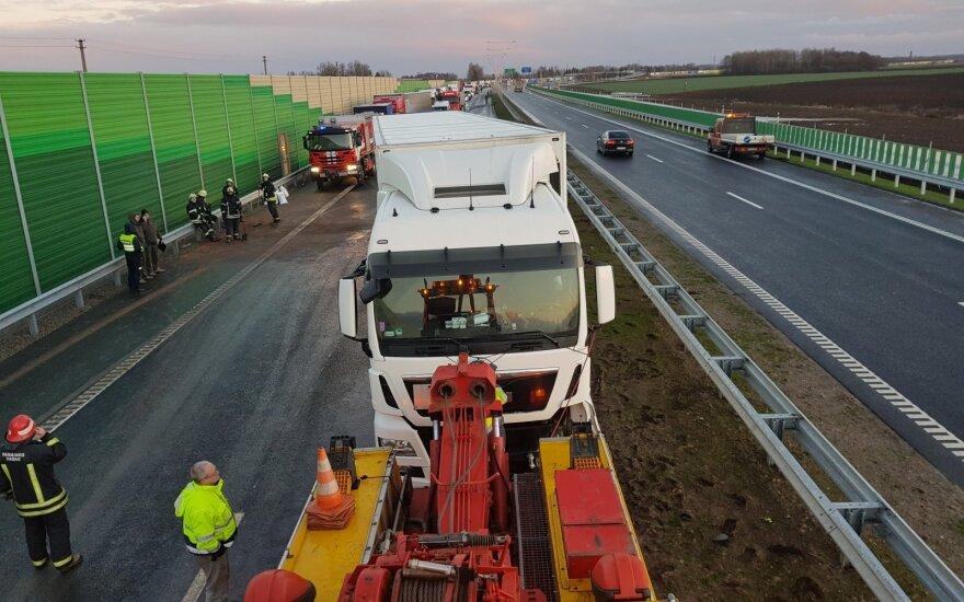 Atnaujintas dėl avarijos laikinai sustabdytas eismas netoli Marijampolės