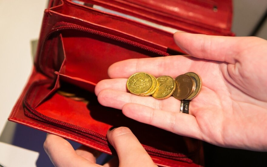 Atkirto Skverneliui: pažiūrėkite, kaip vyksta vaiko pinigų teikimas