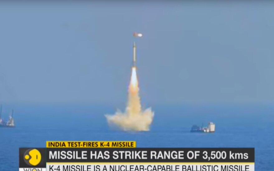 """Indija išbandė balistinę raketą """"K-4"""""""