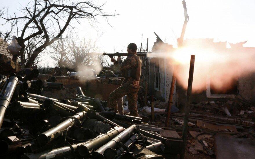 Rytų Ukrainoje žuvo trys ukrainiečių kariai