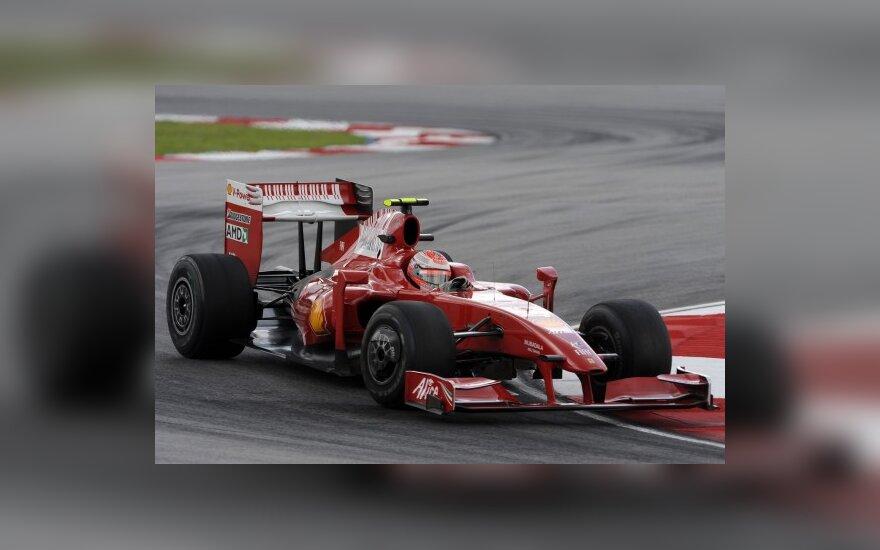 K.Raikkonenas: lenktynės baigėsi po pirmojo sustojimo