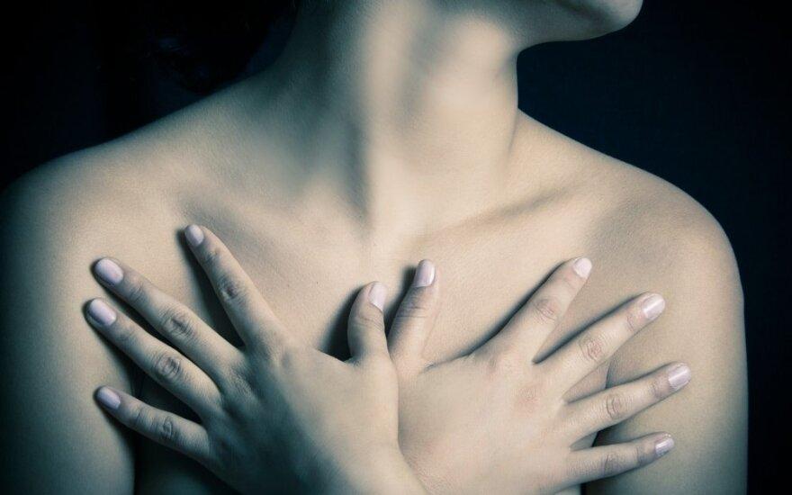 11 krūties vėžio simptomų, kurių galite nepastebėti