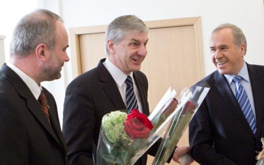 Kazys Grybauskas, Algimantas Dumbrava, Aleksandras Zeltinis