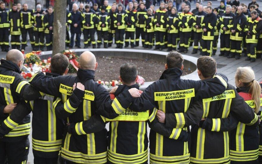 Ugniagesiai Augsburge gedi nužudyto kolegos