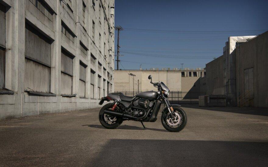 """Harley-Davidson Street Rod"" motociklas"
