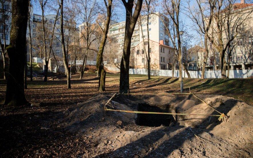 Sostinės Reformatų sode tęsiami tvarkymo darbai: perpus sumažintas šalinamų medžių skaičius