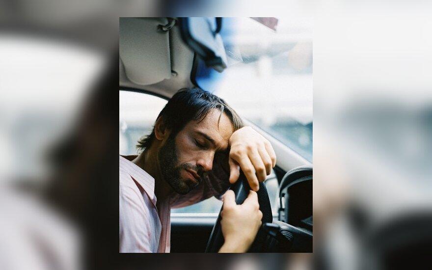 Mikromiegą prie vairo sukelia nuovargis