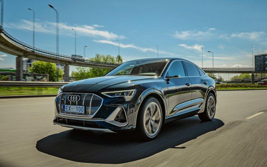 """""""Volkswagen"""" ir """"Audi"""" kviečia klientus į virtualias atstovybes"""