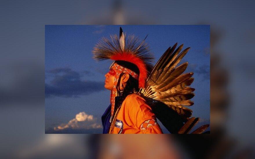 Ką veikia indėnas Kelmės dvaro muziejuje?