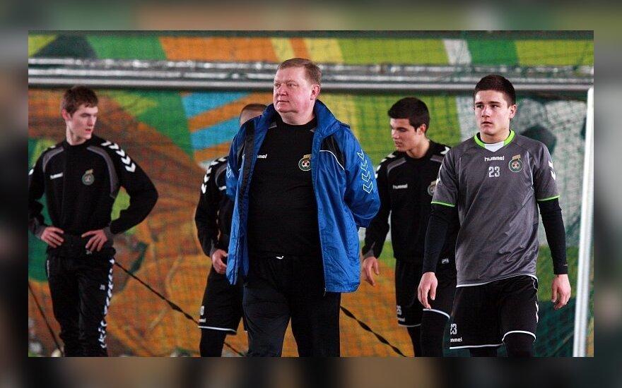 Treneris Antanas Vingilys su auklėtiniais