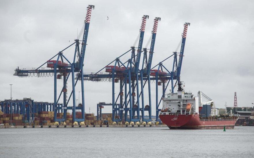 Laivyba Klaipėdos uoste vyksta su apribojimais