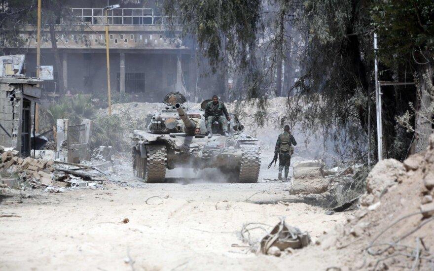 """Buvęs CŽA vadas: vasarį Sirijoje nukauta """"keli šimtai"""" Rusijos piliečių"""