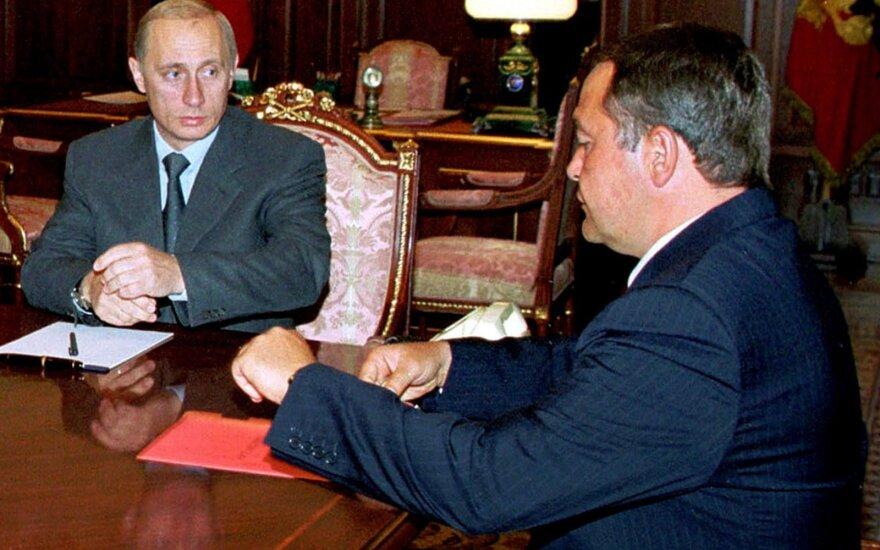 Vladimiras Putinas, Michailas Lesinas