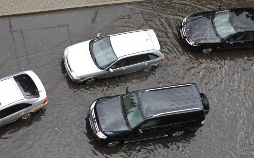 Automobiliai, kuriuos įsigijus – vien problemos